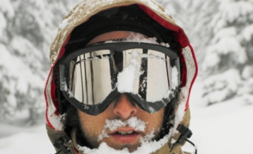 how to keep goggles from fogging up