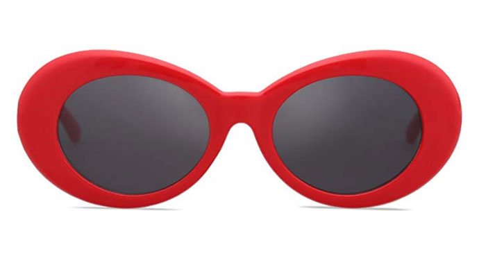 Colored clout goggles in red